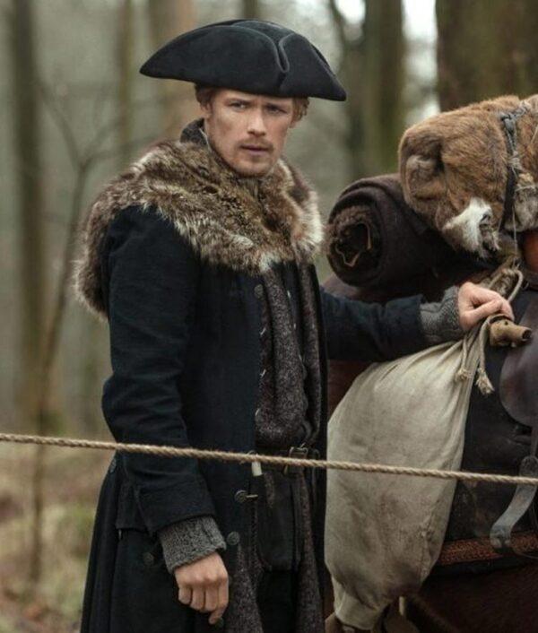 TV Series Outlander S04 Sam Heughan Fur Coat