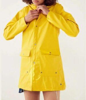Zoeys Extraordinary Playlist Zoey Clarke Yellow Raincoat