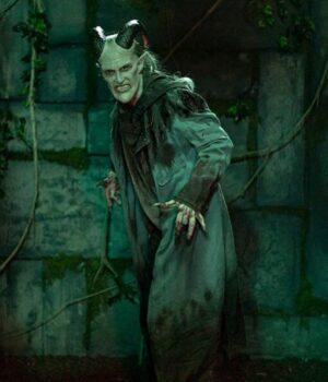 Tricia-Helfer-Van-Helsing-S04-Dracula-Blue-Coat-Image-510x600