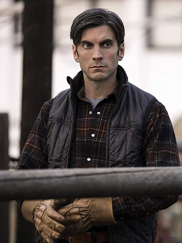 Wes_Bently_Yellowstone_Jamie_Dutton_Vest